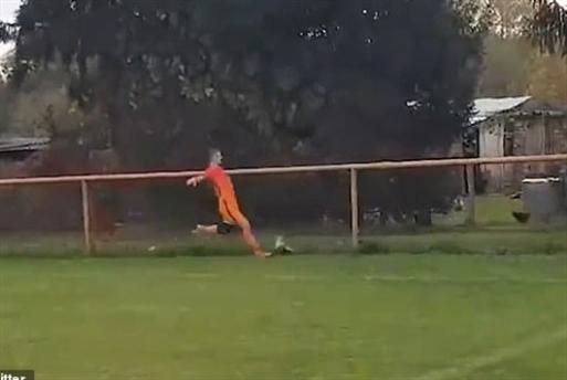 جمعية كرواتية تعتزم مقاضاة لاعب كرة قدم لركلة قاتلة ضد دجاجة
