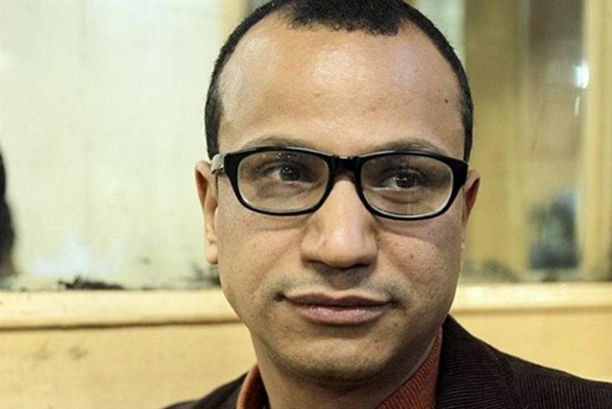 محمد عبد النبي متوّجاً بجائزة «الأدب العربي»