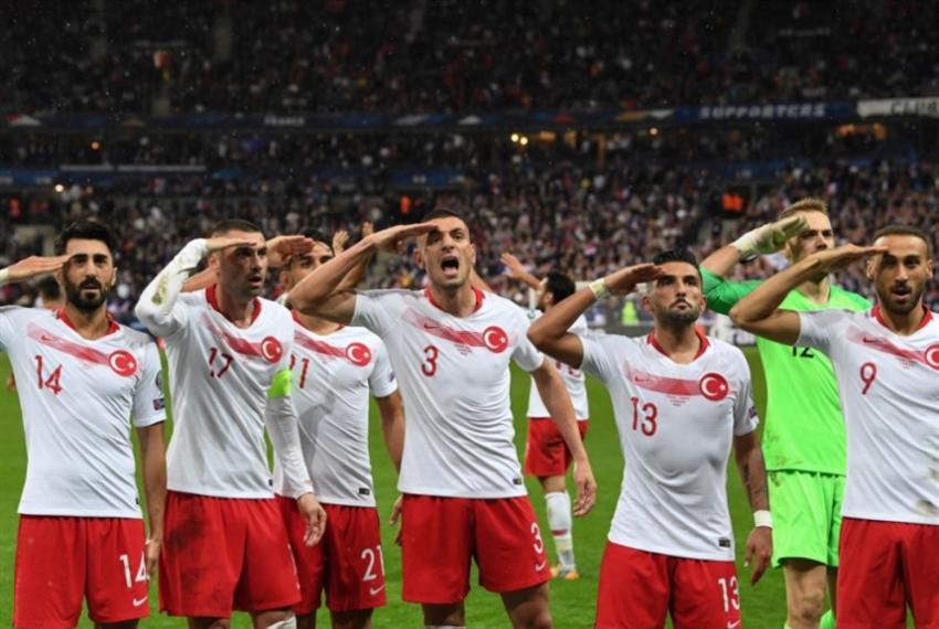 أردوغان يهاجم الاتحاد الأوروبي لكرة القدم