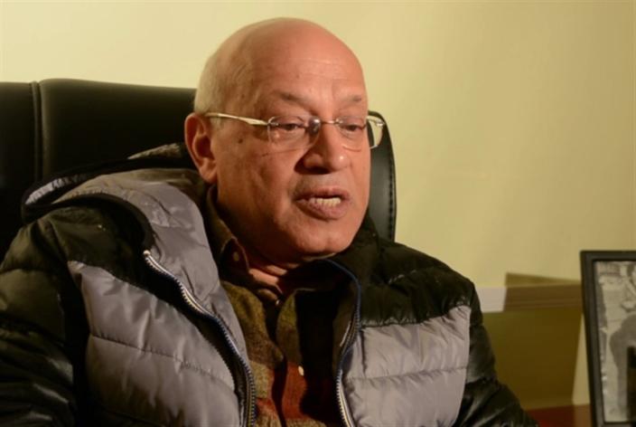 القاهرة تودّع أستاذ الأجيال وسط حضور كثيف: سمير سيف... معلّم الأكشن والكوميديا السياسية!