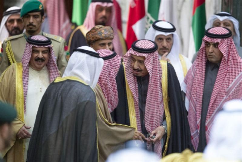 استقبال «حارّ» لقطر ولهجة «وحدوية»: «قمة الرياض» (لا) تؤسّس للمصالحة