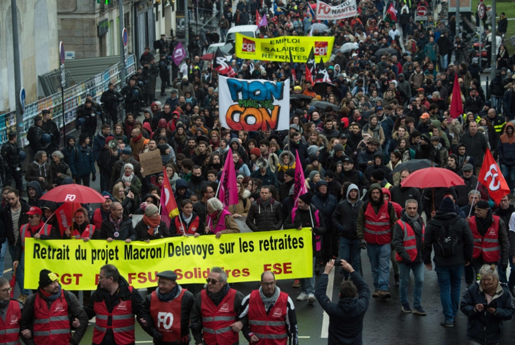 فرنسا | استمرار الإضراب... وانخفاض عدد المشاركين في التظاهرات