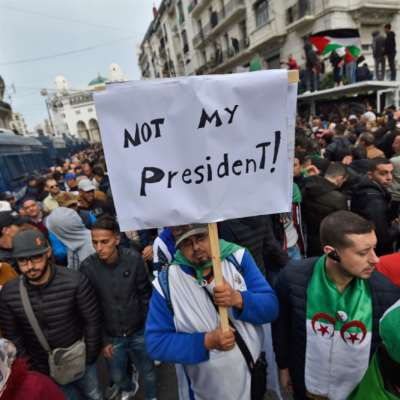 تبون رئيساً للجزائر... واحتجاجات على «ابن النظام»