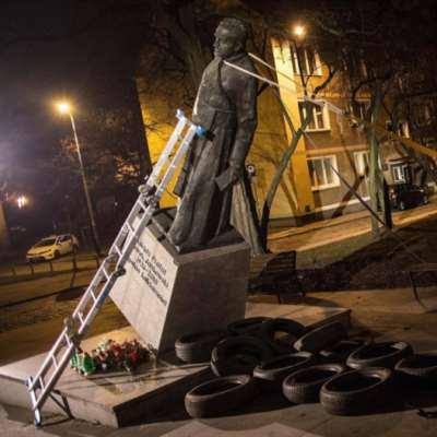 موسم كسر المحظورات في بولندا | «لا تخبر أحداً»: الكنيسة في مهب العاصفة