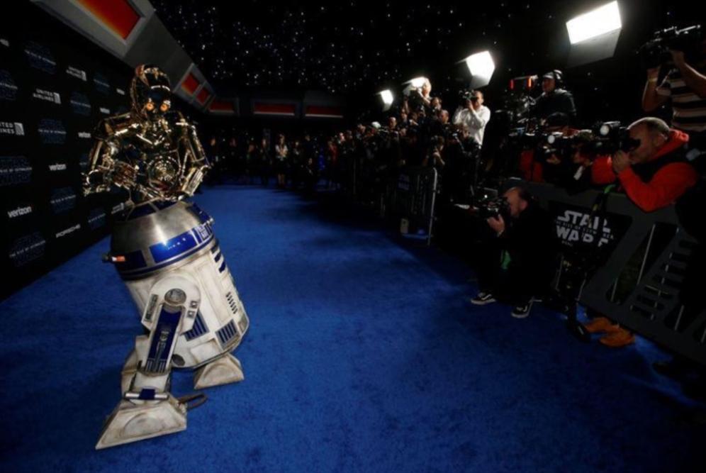 هوليوود: احتفاء بآخر أفلام «حرب النجوم»