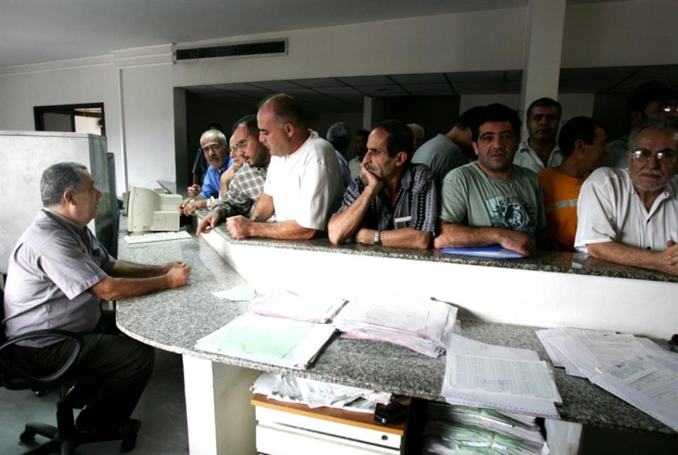 تمديد مفعول براءات الذمّة بلا مرسوم: مراعاة أصحاب العمل على حساب «الضمان»؟