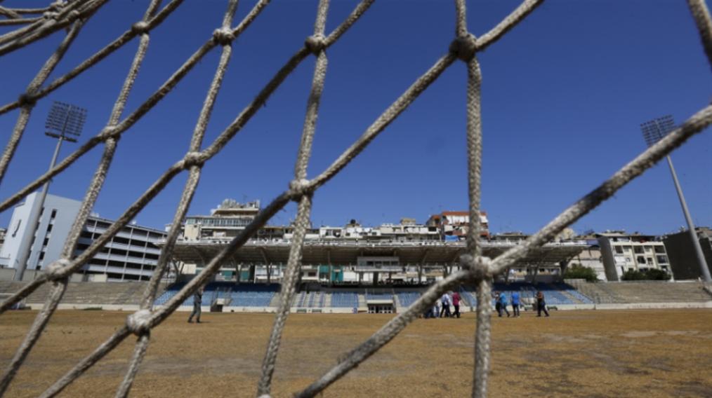 صورة مأساة كرة القدم اللبنانية: للفشل أسباب... وآباء كثر