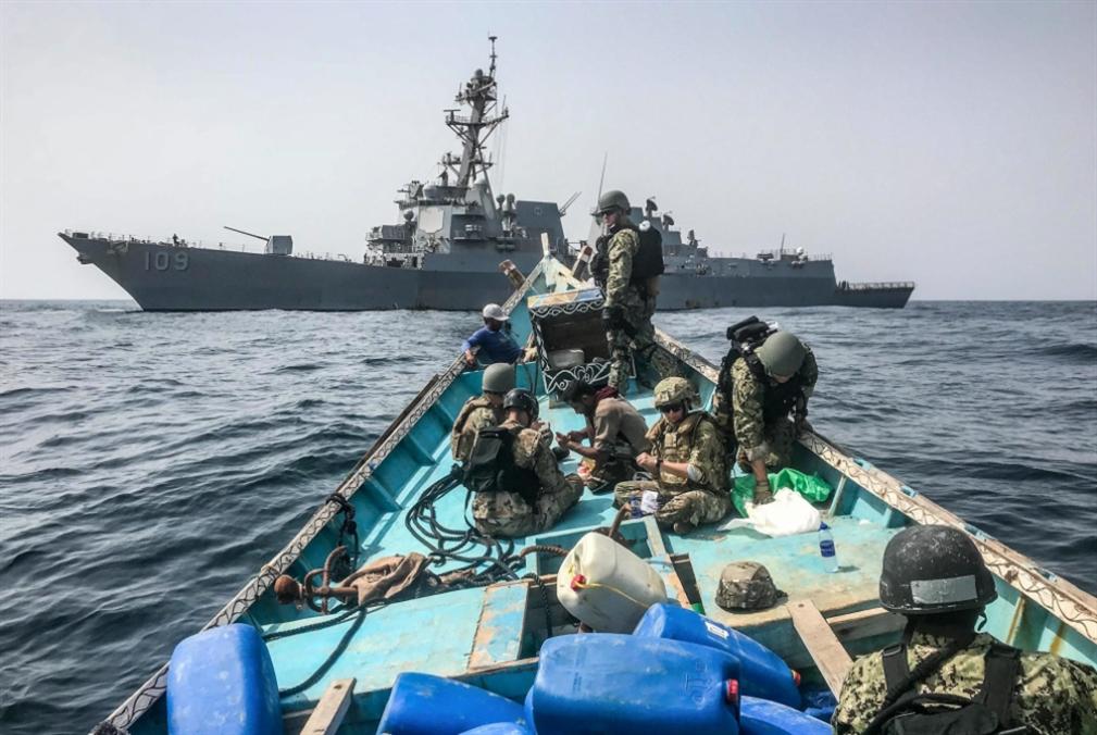 «أسوشييتد برس»: القوات الأميركية احتجزت «مكوّنات صواريخ إيرانية» في طريقها إلى اليمن