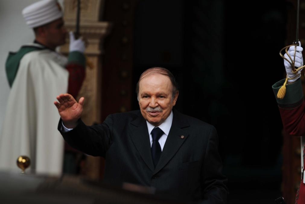 أوزان ثقيلة تنسحب من الرئاسيات: بوتفليقة يترشّح الشهر المقبل؟