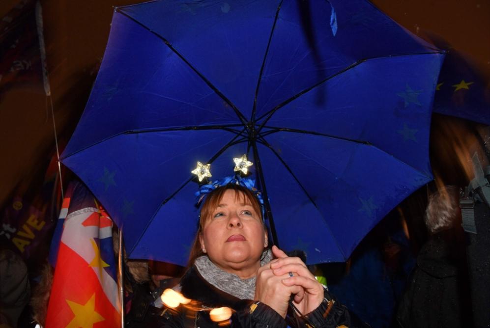 الـ«لاءات» تحاصر تيريزا ماي: بروكسل ترفض إعادة التفاوض