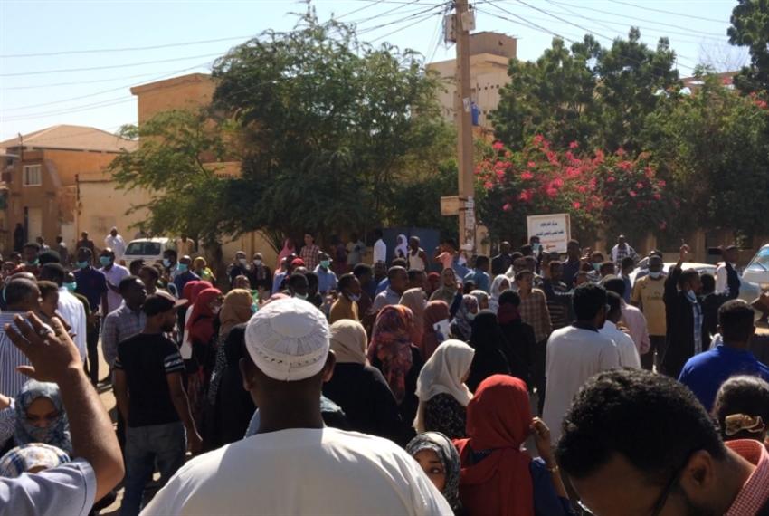 «سلام السودان» في وجه «موكب أم درمان»: البشير ينتقل إلى الشارع