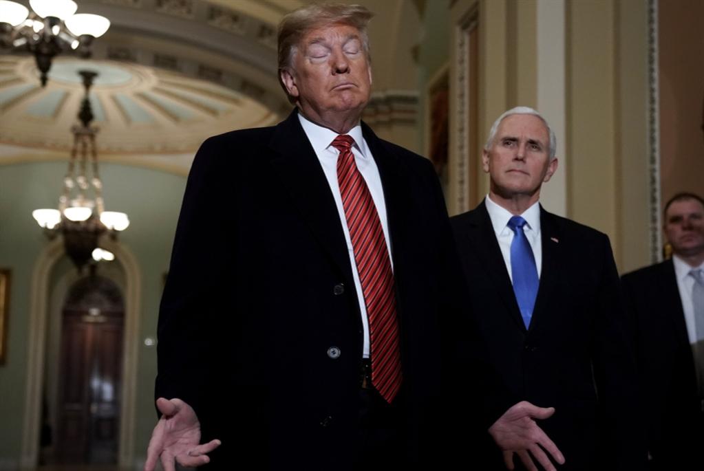 ترامب إلى الحدود الجنوبية متحدّياً: الطوارئ مقابل استمرار الإغلاق