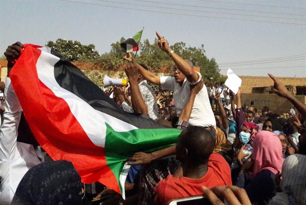 السودان | عدة «التهشيم» لا تلجم «المعارضة»: الشارع يستجيب لـ«تجمع المهنيين»