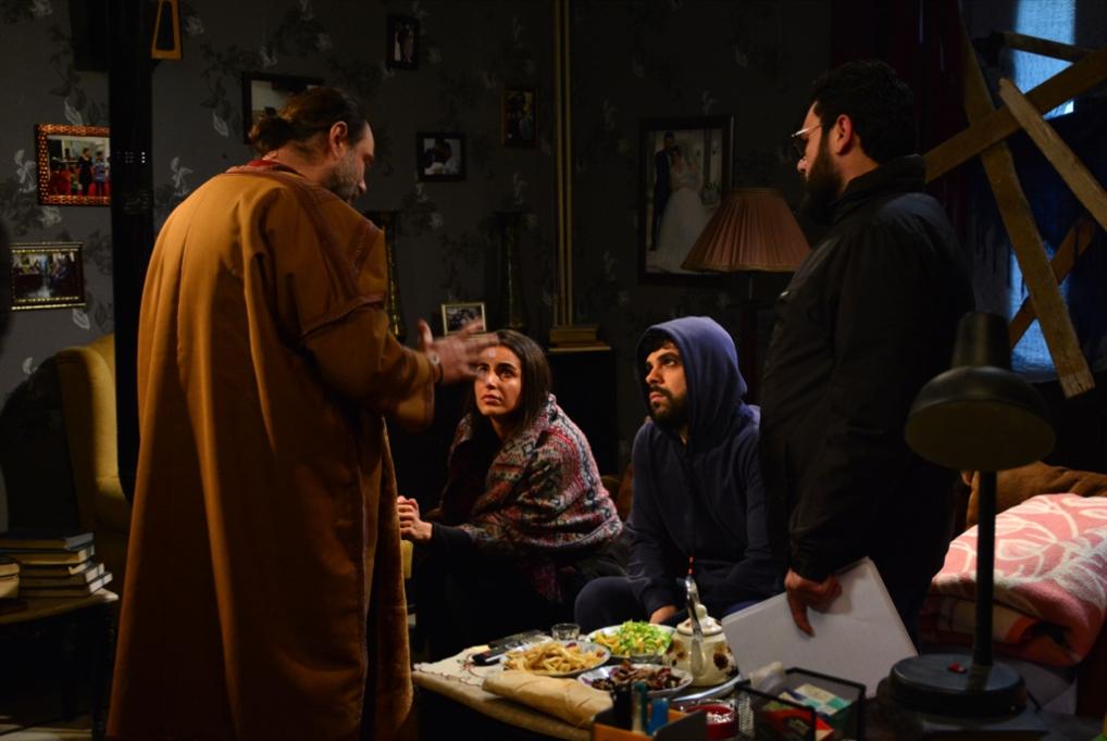 «يحدث في غيابك»: متى تنبعث سوريا من تحت الركام؟
