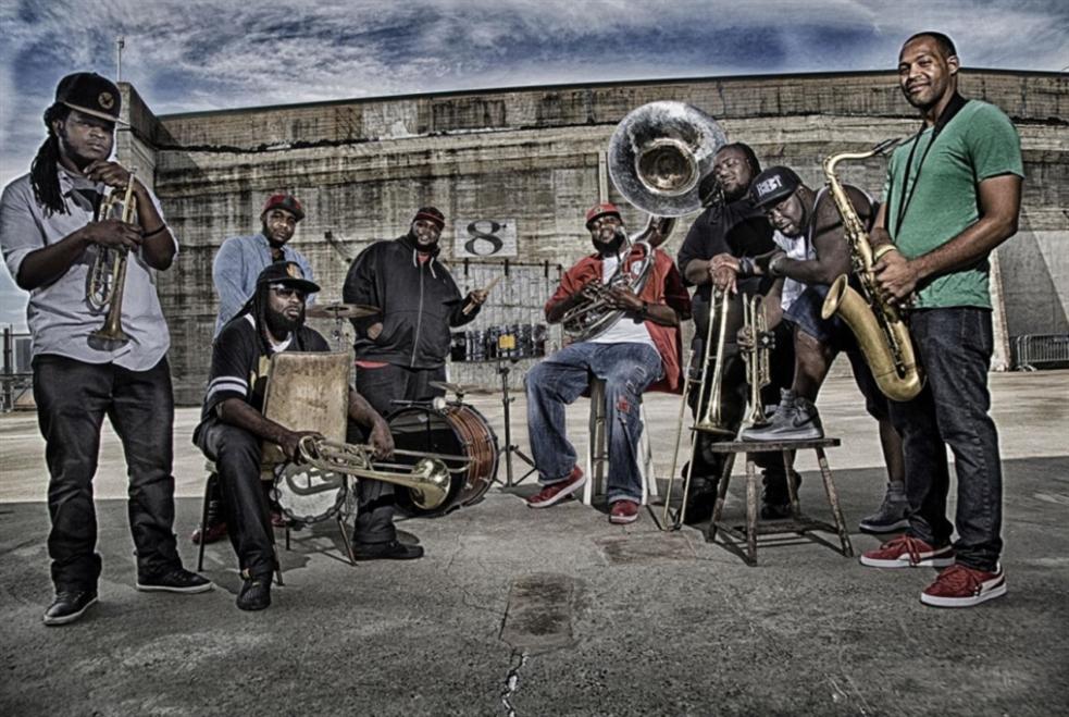 من شوارع نيو أورلينز إلى «ميوزكهول»: The Hot 8 Brass Band تجربة فريدة مع روح الجاز!