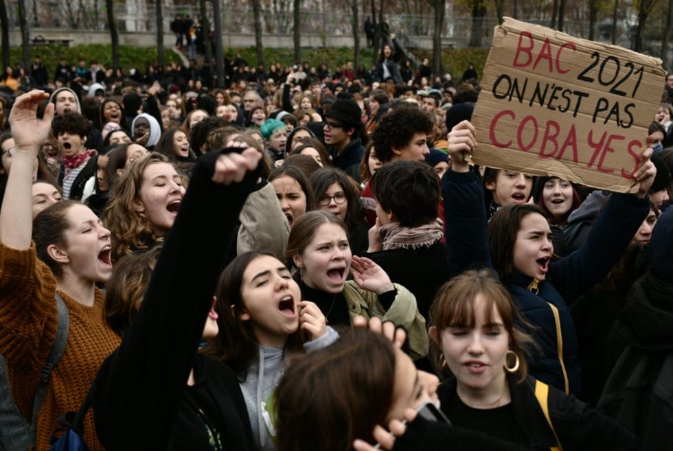 رفع رسوم الدراسة في فرنسا: الحكومة غائبة عن السمع