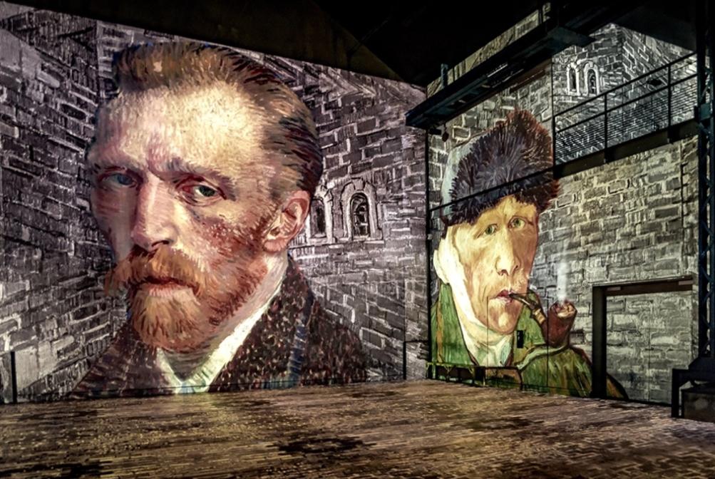 معرض باريسي: محاكاة بصرية رقمية للوحات فان غوغ