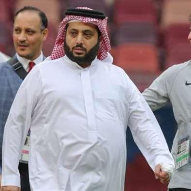آل الشيخ يبيع نادي بيراميدز