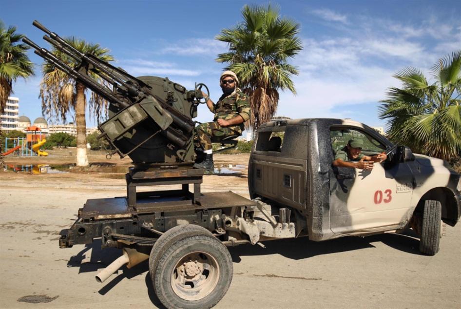 عودة القتال بين حكومتَي حفتر والسراج: تسابق للسيطرة  على مناطق النفط