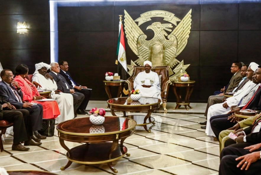 بين تعليق الدستور وحلّ البرلمان: النواب إلى إقرار «الطوارئ»؟