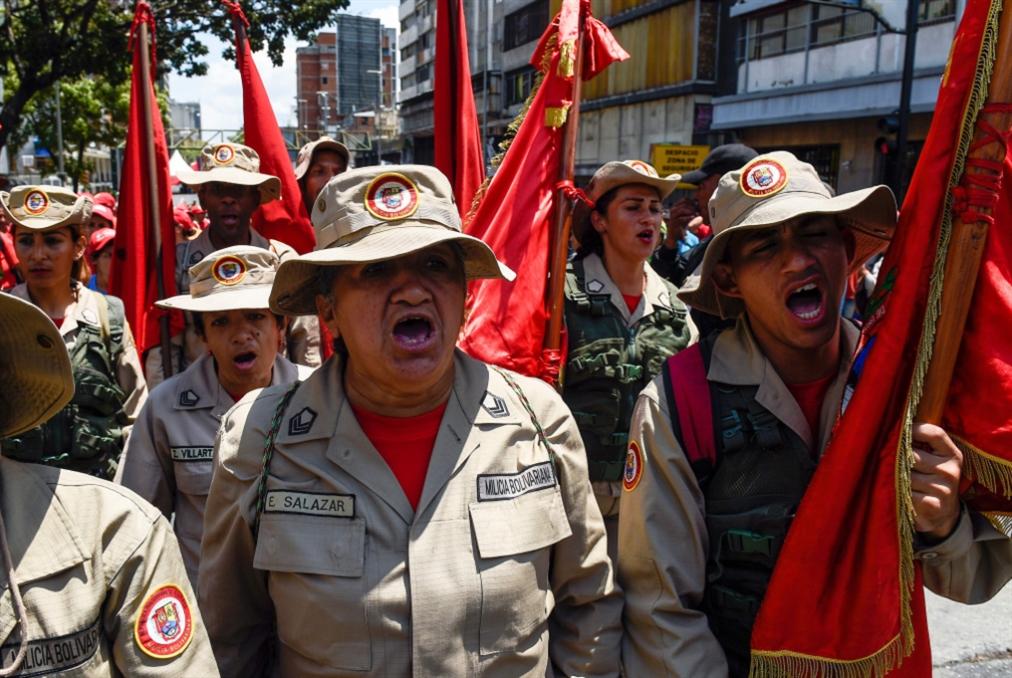 مادورو يحذّر من تبرير التدخّل العسكري