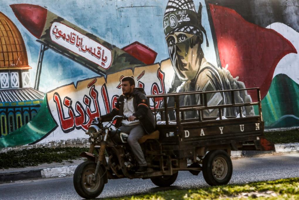 صدمة في إسرائيل: صواريخ غزّة تصل إلى تل أبيب