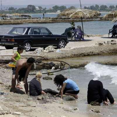 اللاذقية: الجدران للشّهداء... والفقر يطحن الأحياء!