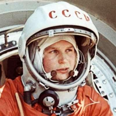 مزاد باريسي في الذكرى الـ 58 لرحلة غاغارين إلى الفضاء