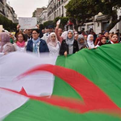 أحزاب السلطة تنفضّ عن بوتفليقة: الرئيس يتنحّى اليوم؟