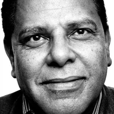 مصر تختنق... وعلاء الأسواني «متّهم» بالرأي الحرّ