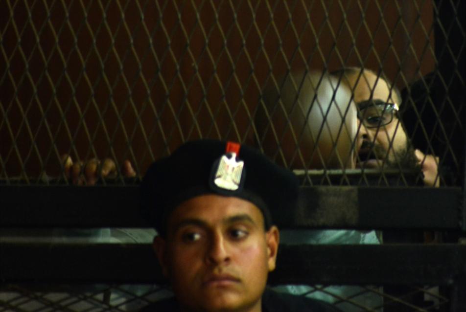 تطبيق لوائح السجون: حلال لأعوان مبارك... حرام على «الإخوان»!