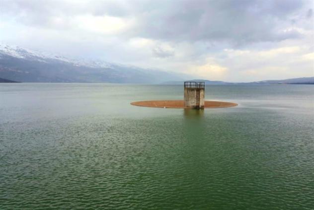 مياه القرعون تفيض إلى الحوض الأدنى