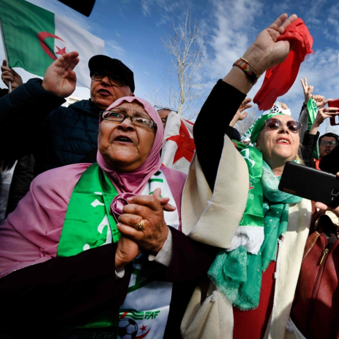 الجزائر: صراع الأجنحة يقصي بوتفليقة؟