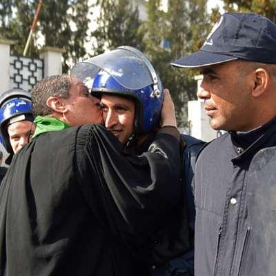 خلفيات أزمة الجزائر: صراع الريع والتحالفات الدولية