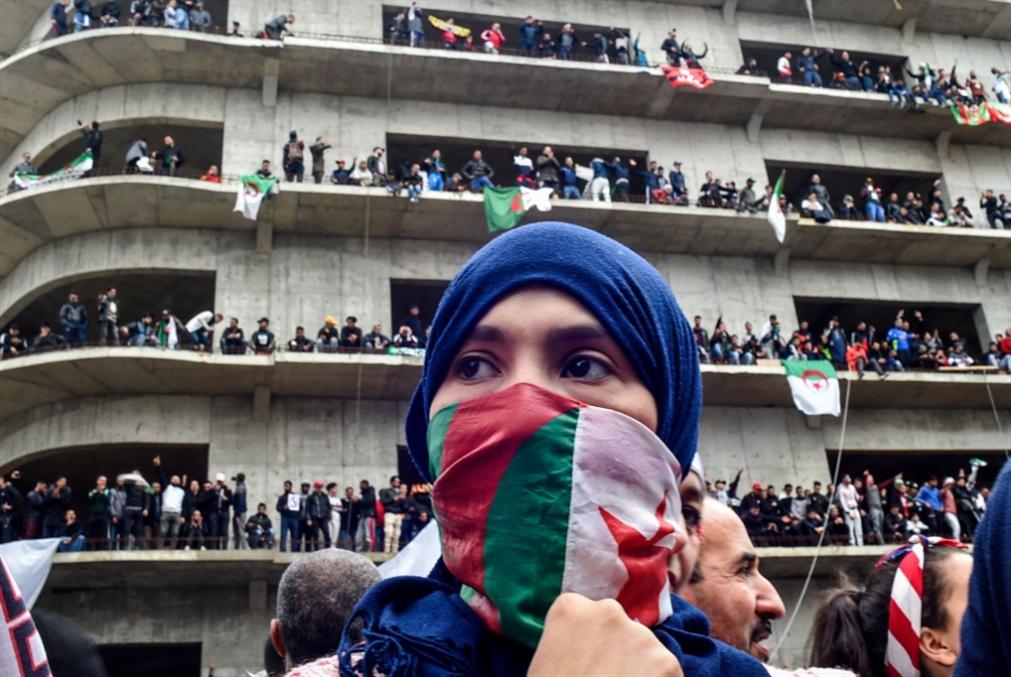 وسط العاصمة يُفتح لمئات الآلاف: الجيش أمام تحدّي توسّع الحراك