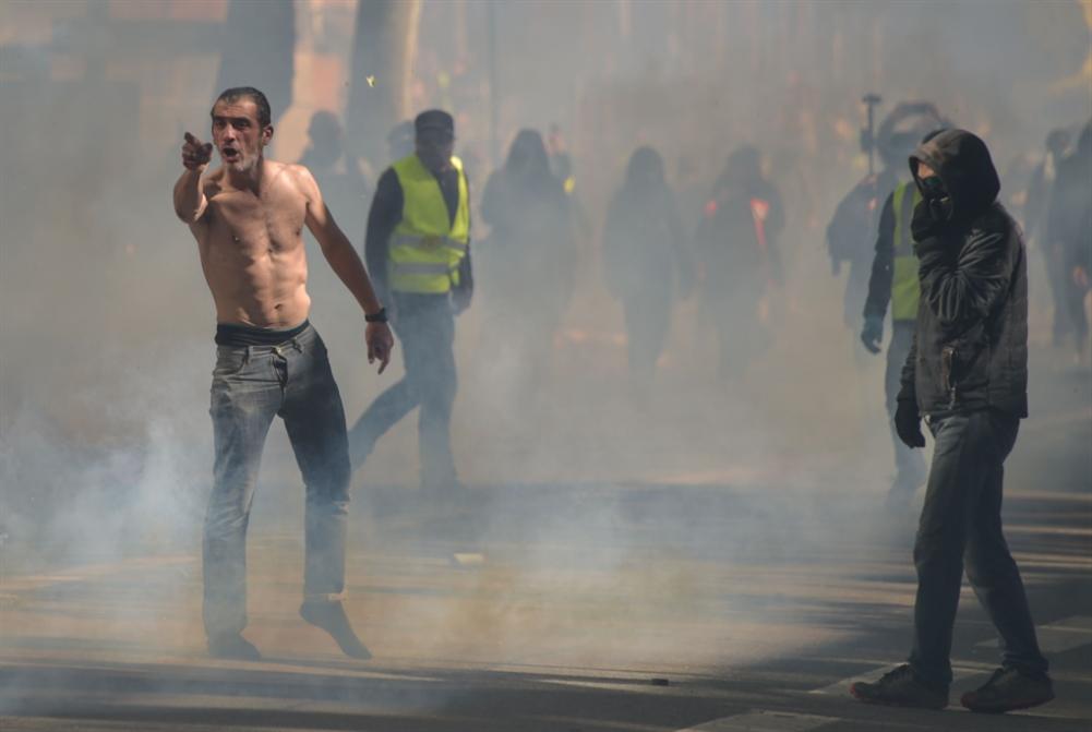 المتظاهرون يتحدّون ماكرون: ارتفاع أعداد المشاركين