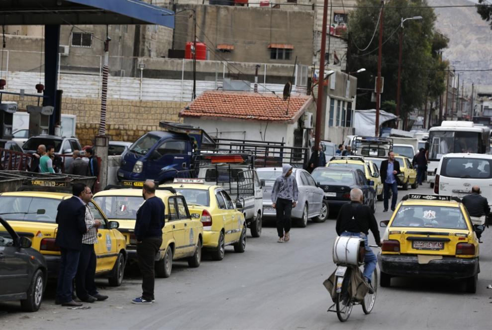 أزمة البنزين بوابة نحو «السعر العالمي»: أين النفط السوري؟