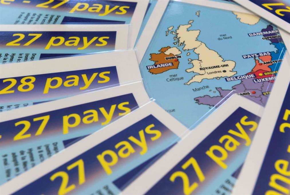 «معجزة» بقاء تيريزا ماي: يسار بريطانيا مصابٌ بالعقم