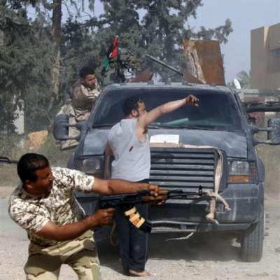 اشتباكات طرابلس تحاصر المدنيين: ترامب يدعم هجوم حفتر