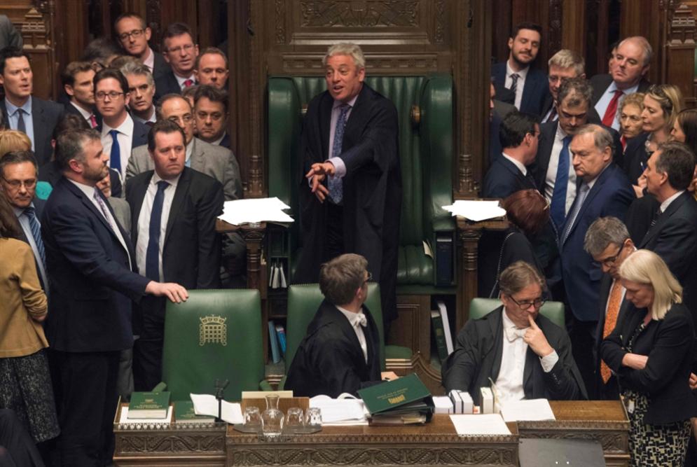 بريطانيا | «العموم» يطيح خيار «بريكست» بلا اتفاق