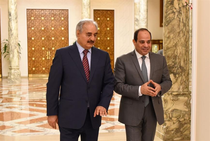 من مصر إلى بريطانيا: أصدقاء السراج وحفتر يدفعون لاستمرار الحرب