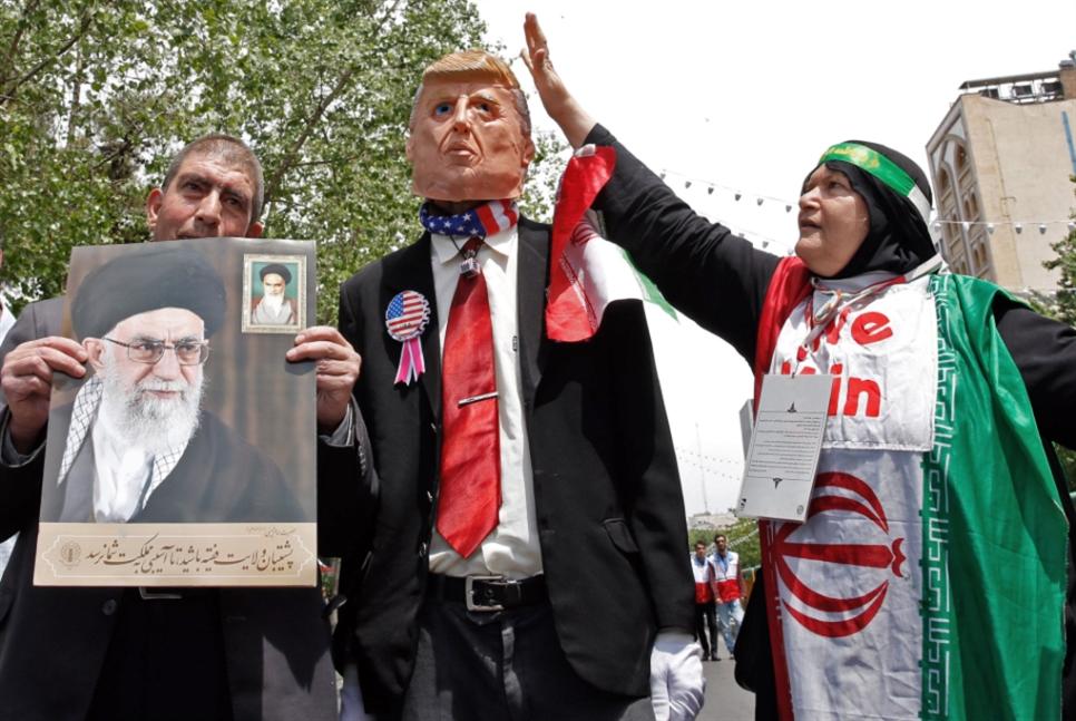 القوات الأميركية في الخليج «فرصة لا تهديد»: طهران ترفض الاتصال بترامب