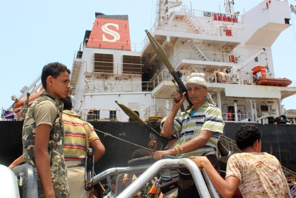 نزول «التحالف» عن الشجرة: موانئ الحديدة تحت إدارة صنعاء
