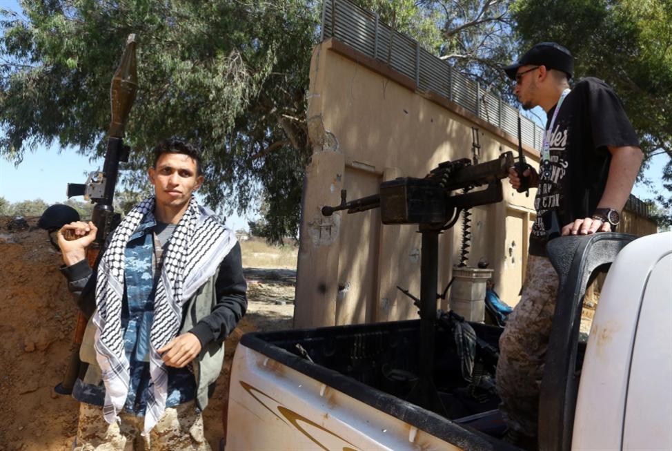 معارك متقطعة جنوب طرابلس: انخراط سياسي في لعبة المحاور