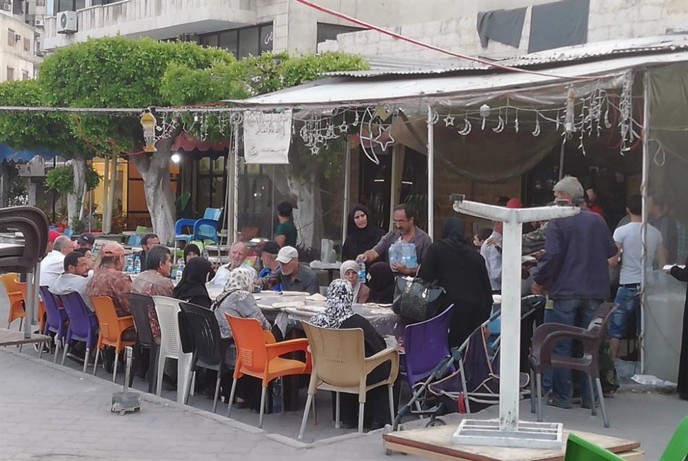 موائد رمضانية دافئة لفقراء اللاذقية