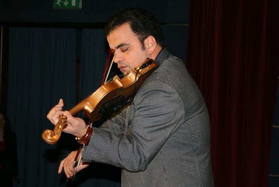 جهاد عقل و«الأوركسترا الوطنية»: الكمان يغنّي