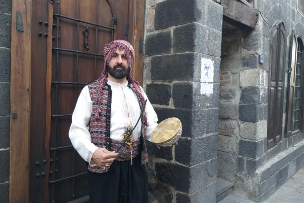 أبو الهيجا والـ«3 دقّات»: مسحراتي «الهيبة»