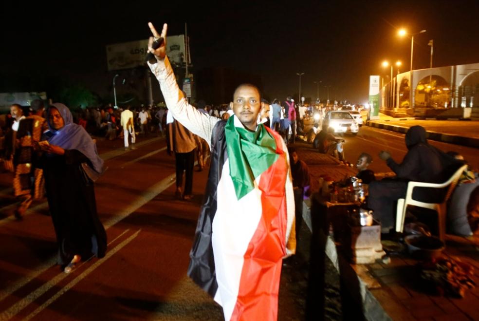 «العسكري» يتجاهل رسالة الإضراب: «قوى التغيير» إلى العصيان المفتوح؟