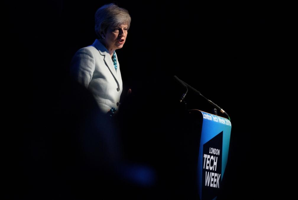 «صراع عروش» في حزب «المحافظين»: هل يحمل جونسون مفاتيح «10 داونينغ ستريت»؟