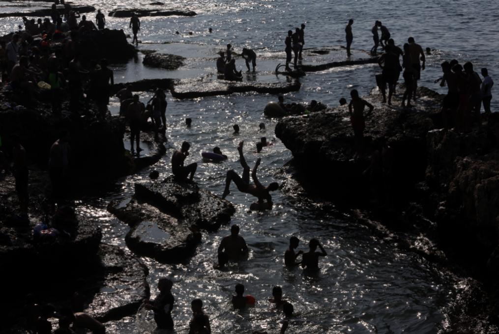 السباحة لذوي الاحتياجات الخاصة... فرصة للاكتشاف والتطوّر